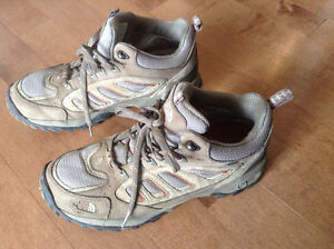 North Face, Men's, Hiking Boots - size 9