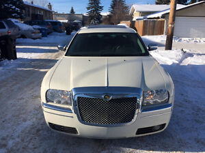 2006 CHRYSLER 300 LOW KM MINT CONDITION $7500
