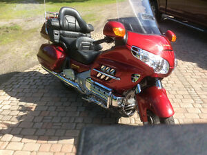 Excellent Condition 2004 Gold Wing