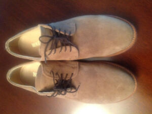 Casual/dress shoes