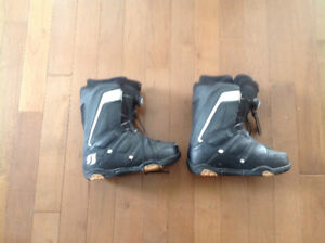 Men's snowboard boots  size 8 1/2 with boa laces