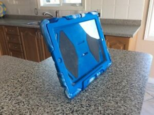 CASE for APPLE IPAD 2 or 3 , in ex. cond— $10