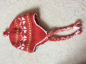 New woollen child's hat fleecy lining £2