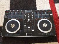 Numark Mixtrack Pro 2 II