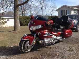 2002 GL 1800 Goldwing Must sell!! REDUCED PRICE!!