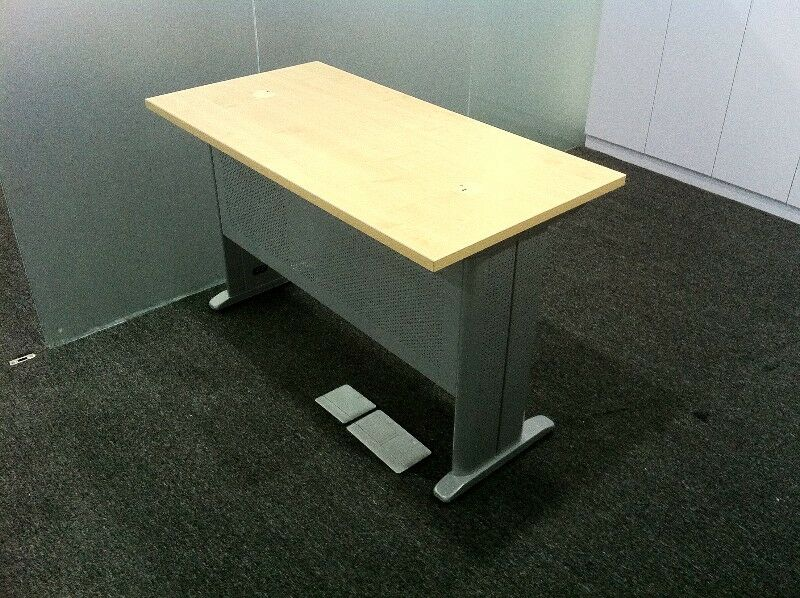 Free stand table