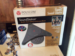 Poly Om Sound station