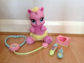 HASBRO My Little Pony Pinky Pie 20cm / 8 in Toy with Sounds and Accessories