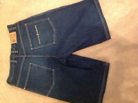 RocaWear jean shorts in NEW CONDITION size 34 for sale!