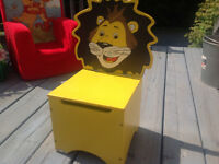 Lion chair with storage