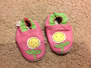 Tickle toes slippers