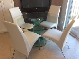 """Morden style  47"""" glass table set with 4 chairs-almost new"""