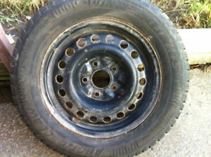 215/65-R16 Arctic Claw M & S Winter tire on rims 250.00 West Island Greater Montréal image 4