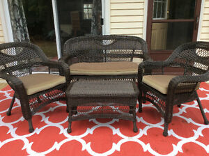 For Sale : 4 pc patio set with cushions