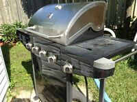 BBQ A VENDRE/ BBQ FOR SALE KENMORE