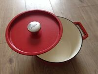PYREX 24cm red pot