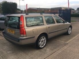 At Hurricane Volvo V70 D5 SE Diesel Estate Manual VGC Credit Debit Cards Accepted