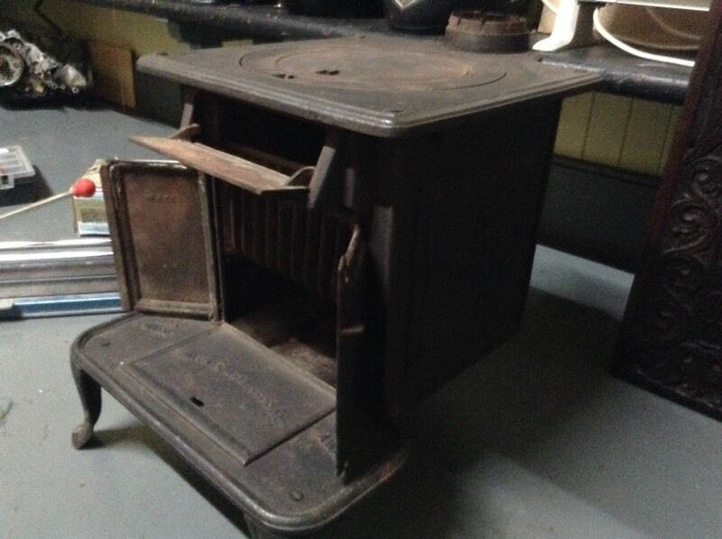 Smith and well stood stove , would be great for a caravan,, or small room