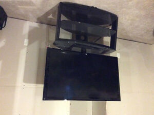 """55"""" LG 55LD630 with broken screen, otherwise mint cond."""
