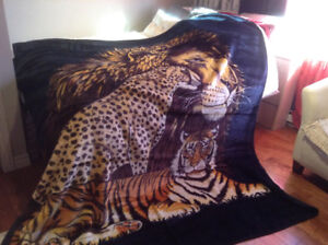 Couverture en peluche lion-guépard-tigre