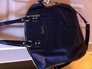 Navy coach bag new condition authenic Kingston Kingston Area image 1