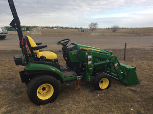 JOHN DEERE 1025R WITH QUICK ATTACH LOADER LAST 2016 --REDUCED