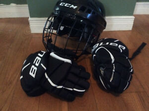 Kid's Hockey helmet and gloves