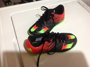 Soccer Shoes Boys Size 13