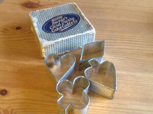 "VINTAGE FAGLEY BRAND ""JUNIOR CARD PARTY"" CAKE CUTTERS"
