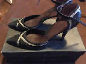 Size 39 Via Spiga shoes- new in box