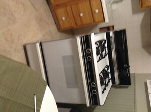 Gas Range for sale!
