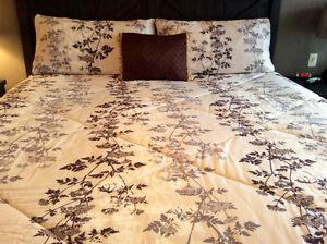 King size comforter and shams