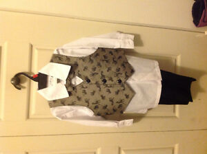 suit for boys 2 yrs West Island Greater Montréal image 1