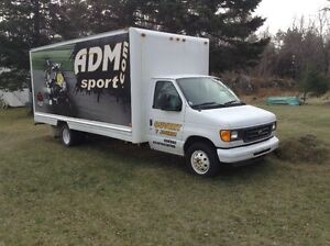 Ford 2004 camion cube 18 pi
