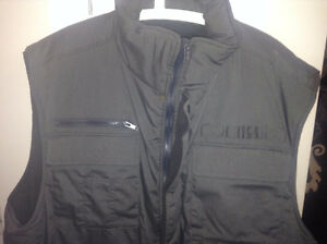 Hunting style vest (winter) X-Large for SALE!!! (MINT CONDITION)