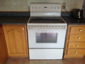 Side by side refrigerator and stove and oven for sale West Island Greater Montréal image 4
