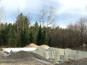 3.6 ACRE LOT with 2 WELLS, SEPTIC & foundation near LANARK