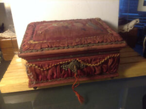 ANTIQUE Victorian VINTAGE Jewelry Sewing TRINKET BOX Red Bordo V