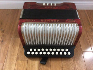 Hohner Erica button accordion, AD. St. John's Newfoundland image 5