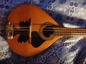 Bandurria (short mandolin-10 string) luthier made from Peru