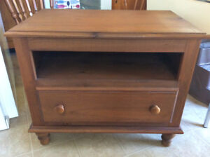 """SOLID WOOD TV TABLE 31""""L, 20""""W, 26""""H, YES AVAILABLE"""