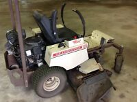Tondeuse Grasshopper Zero Turn Lawnmower