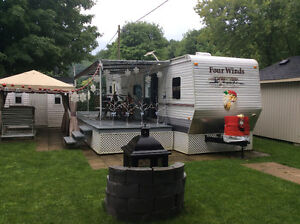 ROULOTTE FOUR WINDS  38 pds CAMPING MIRABEL