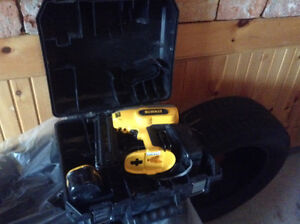 Dewalt Cordless with Case Battery and Charger