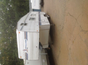 1999 MALLARD BY FLEETWOOD 27FT 5th WHEEL WITH SLIDE, AC, ETC....