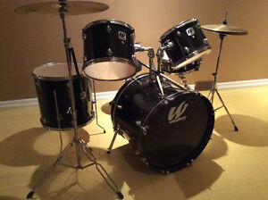 5 piece DRUM SET with two Cymbals. Cornwall Ontario image 2