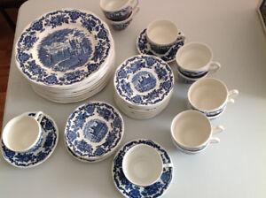 """Enoch Wedgwood """"Royal Homes of Britain"""" English Dinnerware"""