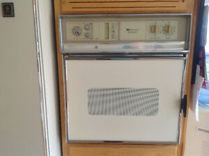 Side by side refrigerator and stove and oven for sale West Island Greater Montréal image 7