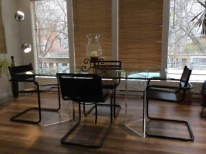 1980 Table a Manger Retro-Vintage Lucite Dining Table