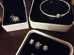 All Pandora new bangle/gently used charms/clips --->Read the ad